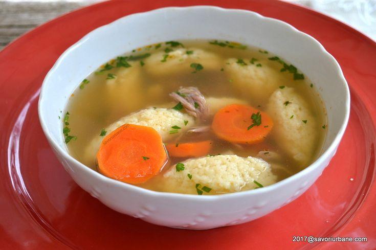 Supa cu galuste de gris pufoase reteta traditionala. O supa de pasare (gaina de tara, pui, cocos, rata, gasca, curcan) cu multe zarzavaturi, galuste pufoase