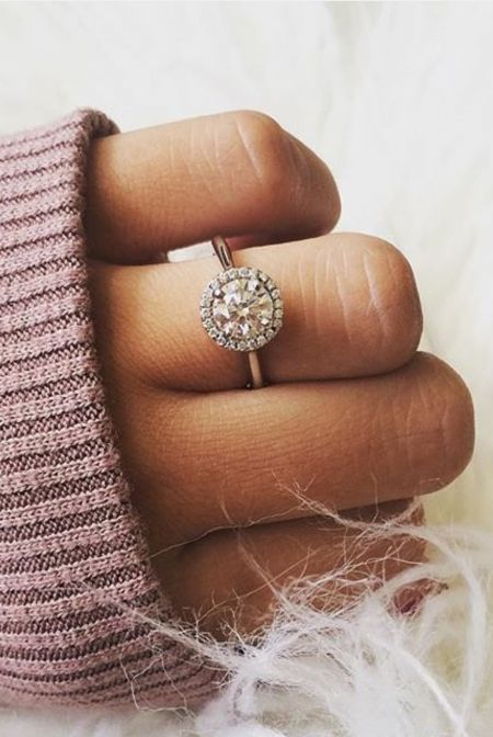 24 Gorgeous Engagement Ring Selfies that Will Make You Want To Get Married - Reverie #wedwithted @tedbaker