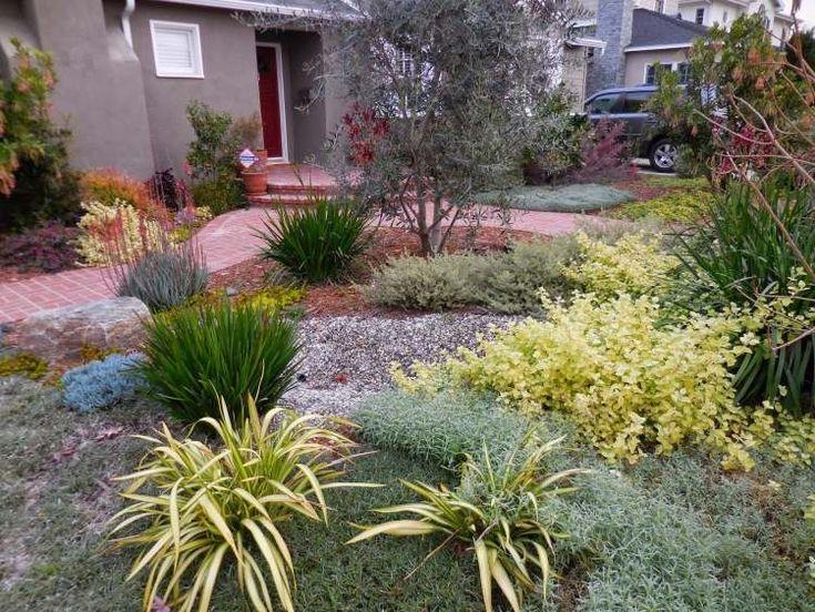 jardin  avec gravier décoratif qui porte une touche d'exotisme
