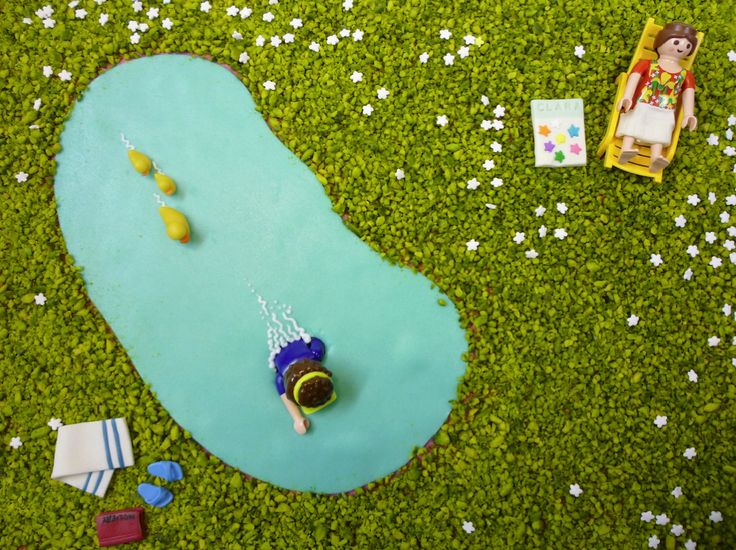Baignade dans la piscine by Pâtisserie Chez Bogato 7 rue Liancourt, Paris 14e. Ouvert du mardi au samedi de 10h à 19h. Tel. 01 40 47 03 51 Cake Design Birhtday cake Gâteau d'anniversaire