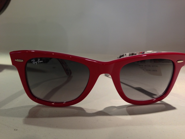 We just received a shipment of new stylish women's frames from Ray Ban. So cool :-)