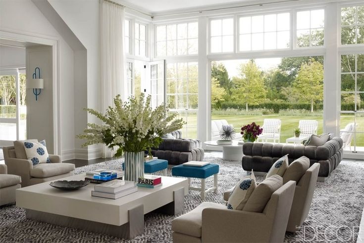 Light-filled Hamptons living room featured in Elle Decor
