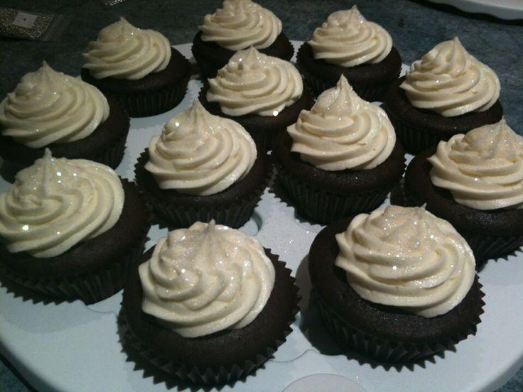 Chocolate mud cupcakes with vanilla buttercream
