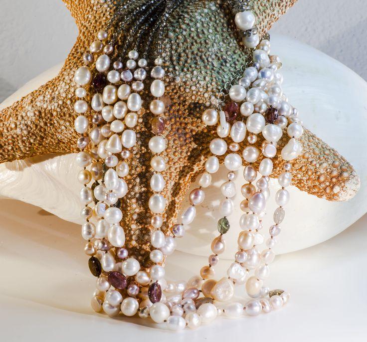 CO029F Collana 6 fili, perla multicolore, tormalina, swarovski fumè
