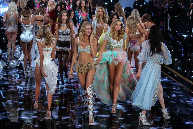 Ангелы Victoria's Secret приняли участие в новой горячей рекламе #VictoriasSecret #мода #шоубиз #новости #события