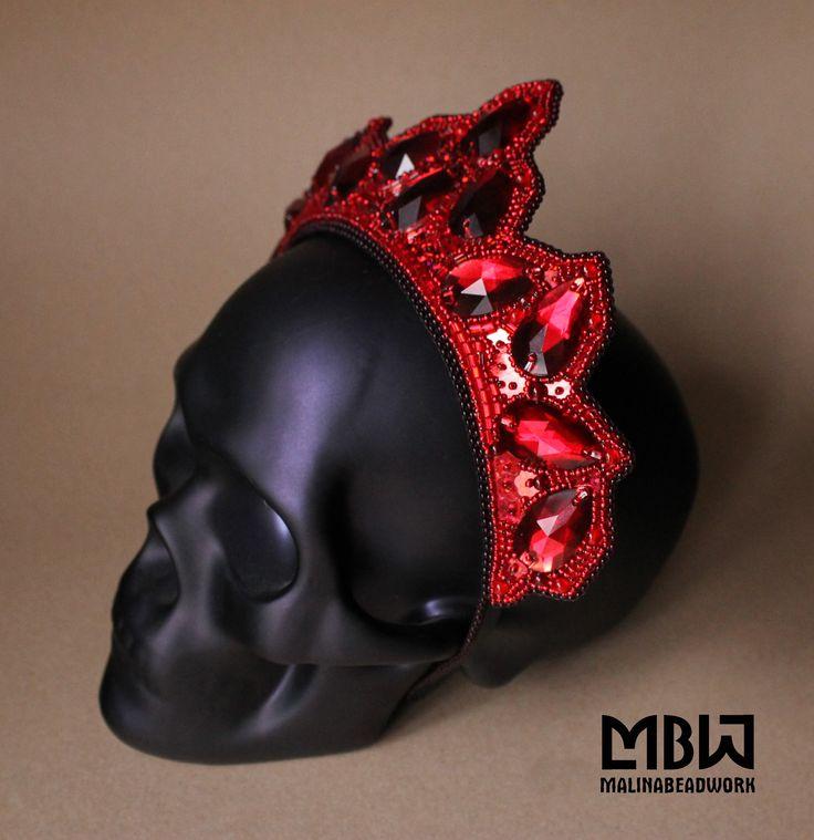 #malinabeadwork #beaded #beadembroidery #embroidery #jewelry #jewellery #handembroidery #handmade #jewelrydesigner #fashionjewelry #instaoftheday #beadsmith #вышивка #бисер #headpiece #headdress #bijou #crown #headpiece #headdress #kokoshnik #элитнаябижутерия #бижутерияростов #gothic