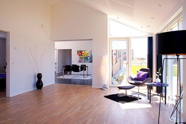 Kig fra stue mod køkken/alrum. Skovby