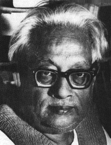 Satyendra Nath Bose (1894–1974) fue un físico hindú especializado en física matemática. Es mejor conocido por su trabajo en mecánica cuántica en los principios de los años 1920, proveyendo las bases para la Estadística de Bose-Einstein y la teoría de Condensado de Bose-Einstein. El bosón (una de las partículas elementales) es reconocido con ese nombre en honor a él. Fue premiado con el segundo reconocimiento civil más alto en la India, el Padma Vibhushan en 1954 dado por el gobierno de la…