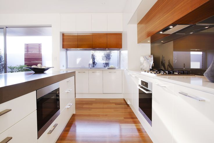 Under bench appliances free up your work space and give the kitchen a contemporary, stylish look...