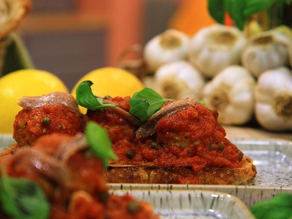 Fläskfärsbullar med tomatsås | Recept.nu