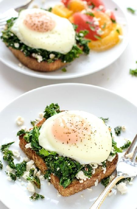 Low FODMAP Recipe and Gluten Free Recipe - Poached eggs on spinach & feta toast http://www.ibs-health.com/low_fodmap_recipe_poached_eggs_feta_toast.html