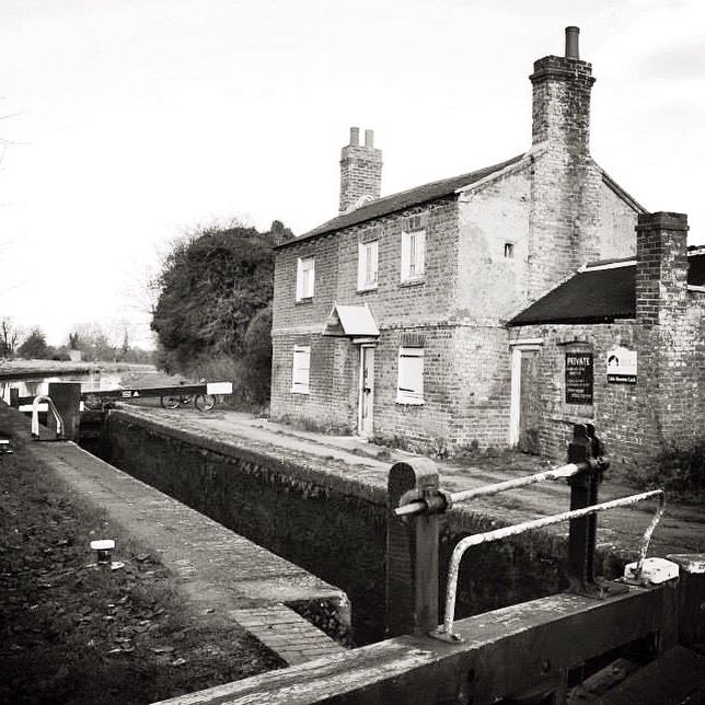 Oxford Canal, Little Bourton Lock in black and white