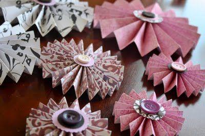 Paper Flowers... so pretty!: Crafts Ideas, Diy Crafts, Rosette Tutorials, Pretty Paper, Paper Flower, Crafty Things, Paper Crafts, Crafty Ideas, Paper Rosettes