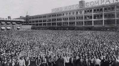 Pracownicy Ford Motor Company na pamiątkowej... - myrmekochoria - Wykop.pl