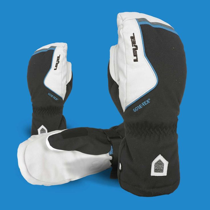 Are you looking for an extreme warm ski glove/mitten, then you should definitely try the HELI MITT! This mitt is HOT! 🔥 #levelgloves #helimitt #powderweloveit #gore-tex #skigloves