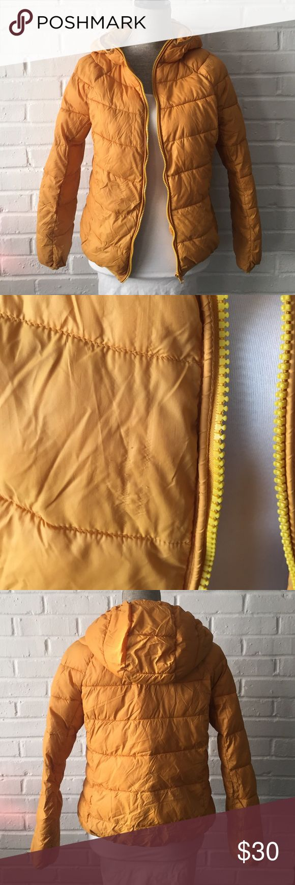 F21 Puffer Jacket F21 Mustard Yellow Puffer Jacket | Size: M | 100% nylon | Gently worn, small snag in front, in good condition | Great paired with grey F21 workout top, comfy leggings & sweet kicks! 🏃🏼♀️ Forever 21 Jackets & Coats Puffers
