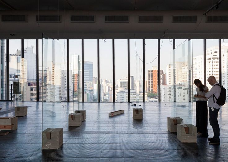 """Lina Bo Bardi's """"radical"""" glass easels revived for exhibition"""