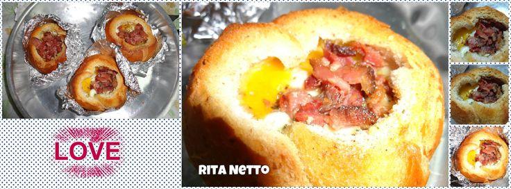 Pão, ovo e bacon.