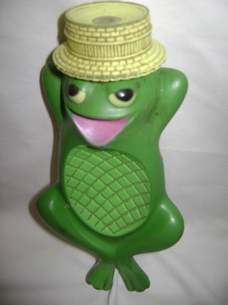 Freddy Frog Floating Soap Dish Vintage Avon from the 70s. ANOTHER reason on I LOVE Pinterest. I had one of these as a child and gad TOTALLY forgotten about it!!!!!!