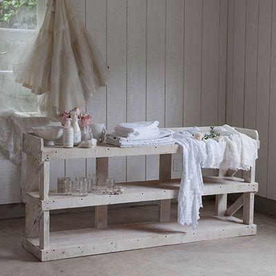 rachel ashwell shabby chic couture warrenton cabinet pour le plaisir de la maison 1. Black Bedroom Furniture Sets. Home Design Ideas