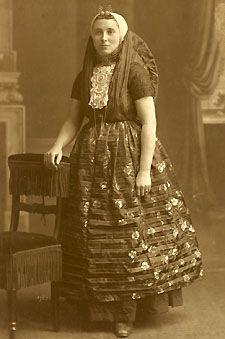 Vrouw uit Axel, 1919 (Zeeuws Archief)