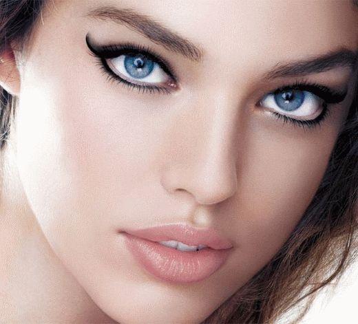 Make up with eyeliner