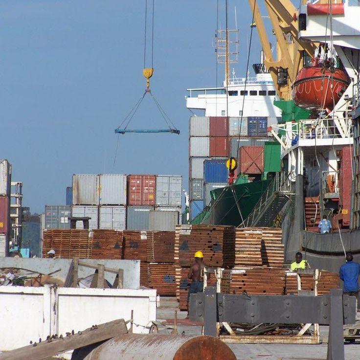 CAMEROUN :: 3000 containers en direction de la Centrafrique et du Tchad bloqués au port de Douala :: CAMEROON
