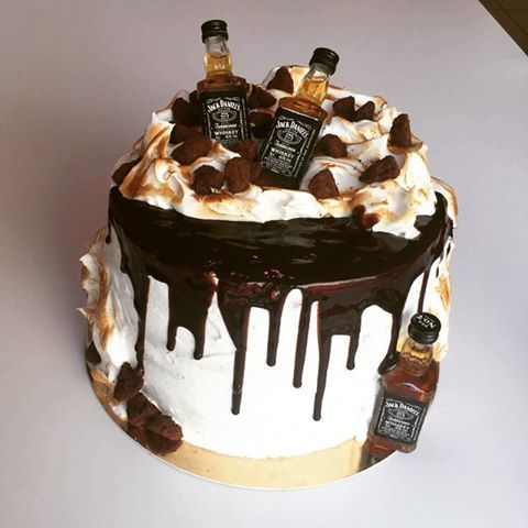 Вас ждет торт с шоколадным муссовым кремом и желе из виски Скорее к нам пока все не разобрали