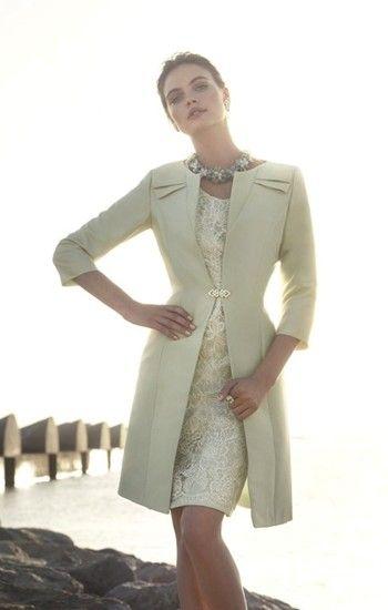 foto de las señoras del diseño formal de prendas de día 15 de Carla Ruiz