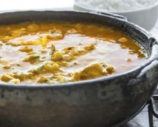 Moqueca de peixe (mijoté de poisson brésilien au lait de coco) : http://www.fourchette-et-bikini.fr/recettes/recettes-minceur/moqueca-de-peixe-mijote-de-poisson-bresilien-au-lait-de-coco.html