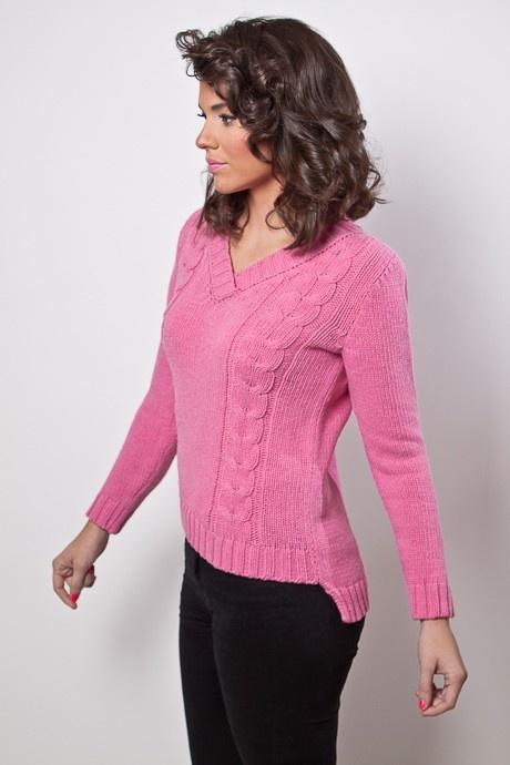 ¿Qué te parece este sweater con escote? Compralo en: http://buenca.com/productos/85-sweater-escote-en-v-con-doble-trenzas.html
