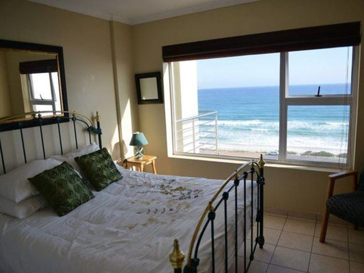 The Waves 701 - The Waves 701 is a modern, spacious two bedroom apartment situated in Bloubergstrand a short walk away from the beach. Expect stunning views of Table Mountain and Table Bay.This is a modern and spacious ... #weekendgetaways #bloubergstrand #southafrica