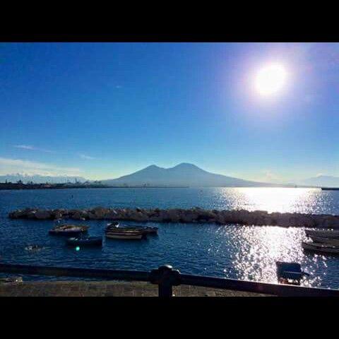 Ogni raggio di sole che si riflette sul mio mare è un sospiro d'amore per la mia città