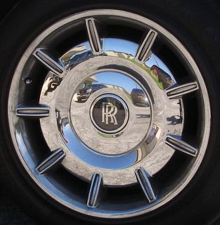 540mm Short Thin Grooved 9 Spoke Compatible with 04-06 ROLLS ROYCE PHANTOM Part # WCC1701 OEM Part #:  Finish/Direction: CHROME Price Each: $CALL Price with Exchange: $  Manufacturer List: $3,000