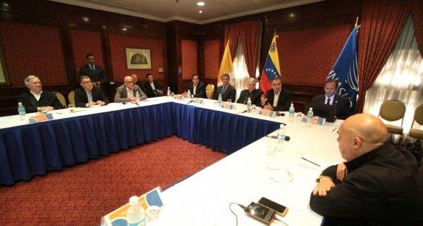 ¡NUEVA ESTAFA! EFE: Diálogo entre gobierno y oposición podría retomarse este miércoles