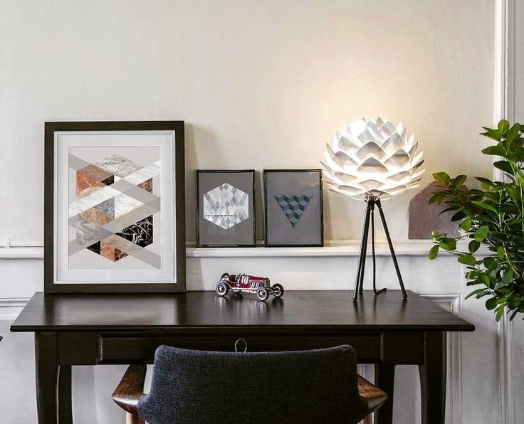 Hoho julklappstips nr 3 på ingång!  Silva Mini lampskärm kan användas både som bordslampa och taklampa. Passar i alla rum och kostar under 500-lappen på Sovrumsshoppen.se!  Fri frakt!  #lampor #belysning #lighting #vitacopenhagen #inredningsinspo #inredning #inreda #hem #heminredning #heminredningsdetaljer #inredningsdetaljer #inredningsdesign #design #nordiskahem #nordic #nordichome #nordicdesign #julklappstips #jul2017 #christmasgifts