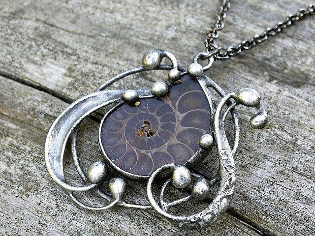 Etno textil - Originální dárky - Bižuterie Artist Miroslava Bulířová beautiful handcrafted pendant necklace art nouveau silver gemstones ammonite