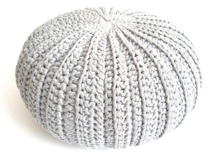 Crochet Rib pouf.  Pattern available at www.shadesofyesterday.nl