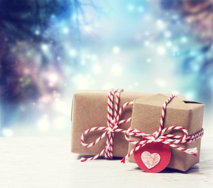 35 идей – что подарить родным, друзьям, коллегам и самому себе на Новый год? - http://lifehacker.ru/2013/12/24/35-gift-ideas/