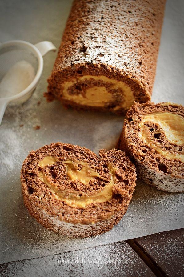 Mod de preparare Rulada cu crema caramel: Blat de rulada: Albusurile se bat spuma tare cu un praf de sare. Se adauga zaharul si se mixeaza pana obtinem o spuma densa si lucioasa. Galbenusurile frecate cu ulei si esenta de rom le turnam peste albusuri si mixam usor. La sfarsit,…