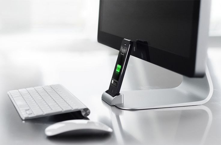 OCDesk iPhone dock ved iMac