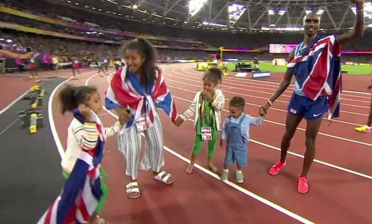 Mo Farah with his children after winning gold in the 10,000m. at the 2017 World Championships