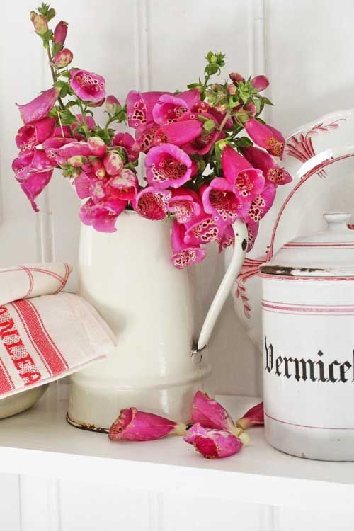 25 ideas para decorar con piezas esmaltadas /25 ideas to decorate with enameled pieces   Bohemian and Chic