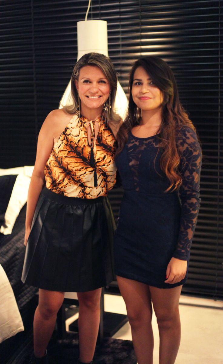 Patrícia Tavares e Marine Santos na inauguração da Mostra Casa Viva. #casaviva #habitatnacasaviva