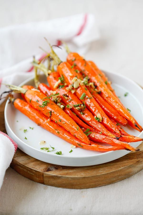 Honey Butter Roasted Carrots - the most delicious and tender roasted carrots, with honey, butter and garlic. So easy and takes 10 mins to prep | rasamalaysia.com