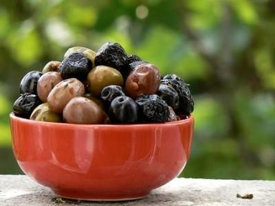 Marinated olives are a popular snack and antipasto in Italy. Olives are popular all around the Mediterranean coast. They make a great addition to any Spanish, Italian, North African, Greek or Provençal meal.