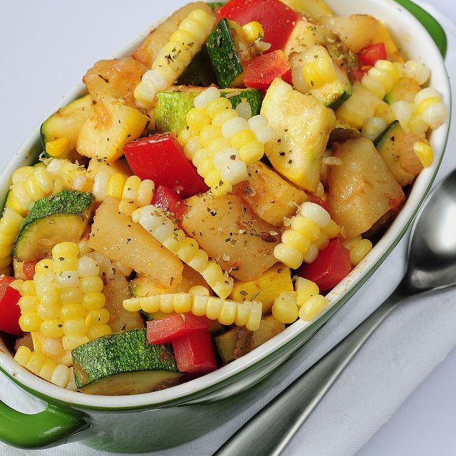 Batatas com abobrinha italiana e milho
