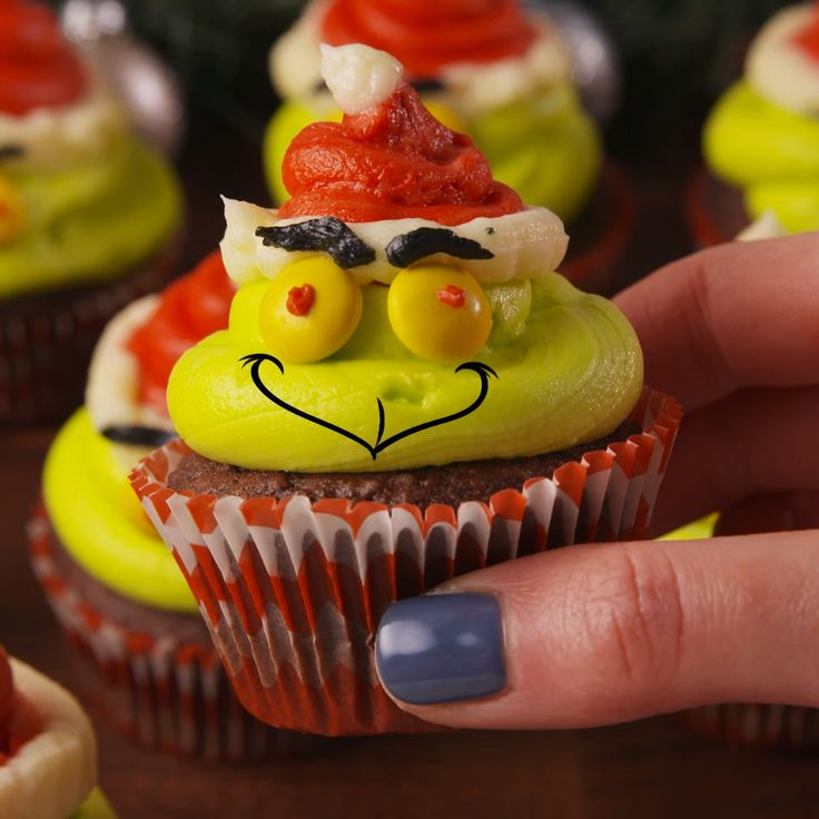 Even the Grinch would have to admit these are cute. #food #pastryporn #kids #Holiday #christmas #easyrecipe #recipe #wishlist #ideas #inspiration