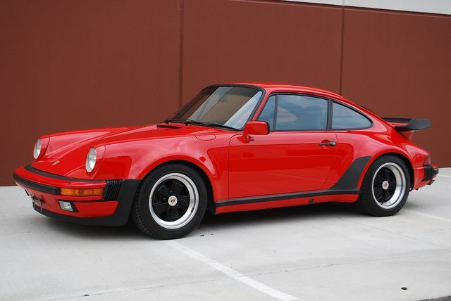 Porsche 911 carrera turbo.