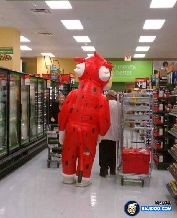 funny people in walmart images bajiroo pictures fun humor 13 Stylish People of Walmart (19 Pictures)